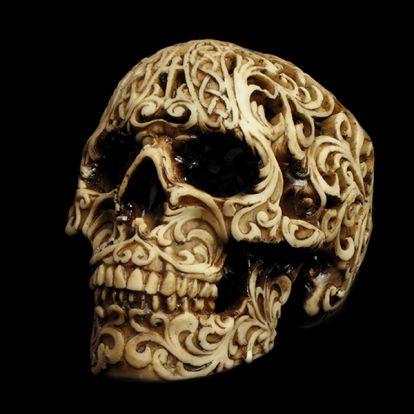 Crâne baroque ajouré