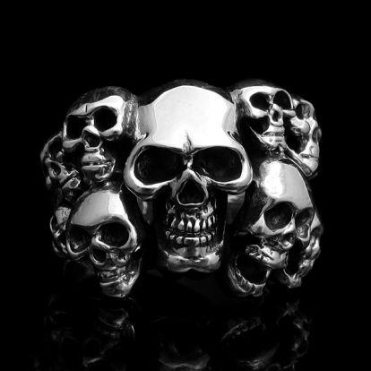 Bague crânes empilés