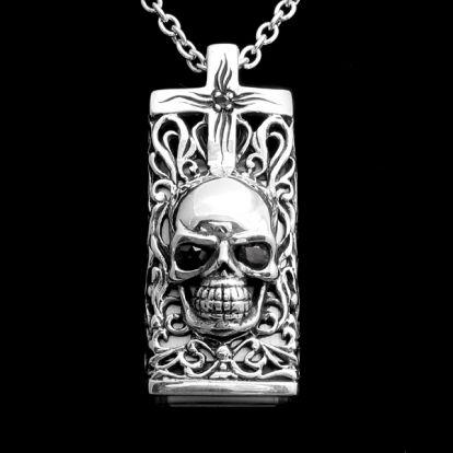 USB skull pendant